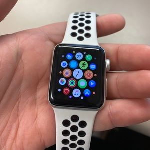 Silver 38mm Apple Watch - Series 3